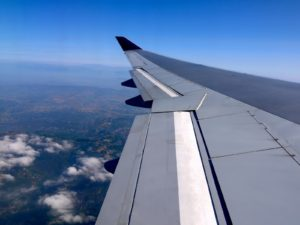 飛行機内から見る主翼
